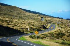 Verbazende rijweg in de bergen Royalty-vrije Stock Afbeeldingen