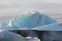 Verbazende stukken ijsijsschollen Stock Foto