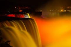 Verbazende vertoning van lichte Niagara-dalingen Royalty-vrije Stock Afbeelding
