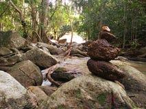 Verbazende waterfull aard in koh phangun Thailand Stock Foto