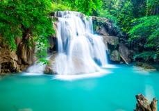 Verbazende waterval in Huay Mae Khamin Stock Afbeeldingen