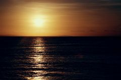 Verbazende zonsondergang Royalty-vrije Stock Foto's