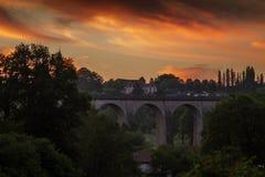 Verbazende zonsopgang in Heilige Leonard de Noblat, Frankrijk Stock Afbeeldingen