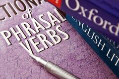 Verbes anglais et syntagmatiques Photographie stock