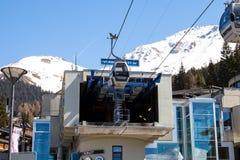 Verbier/Suiza - 14 de marzo de 2018: Estación de la elevación de la góndola en la montaña de Verbier Suiza Valais Médran Imagenes de archivo