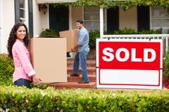 Verbinden Sie das Bewegen in neues Haus Lizenzfreies Stockbild