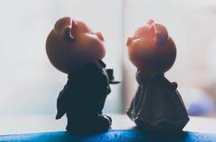 Verbinden Sie die Piggy heiratende Liebe stockbilder