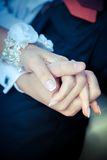 Verbinden Sie Holdinghände Lizenzfreies Stockbild