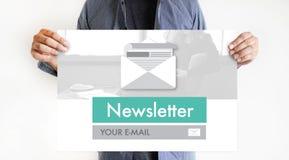 Verbinden Sie Register-Newsletter zu den Aktualisierungs-Informationen und unterzeichnen Sie Ausrichtung lizenzfreie stockfotos