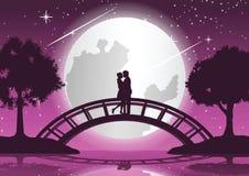 Verbinden Sie Umarmung zusammen und küssen Sie auf Brücke diese Verbindung zwischen zwei Küsten, Konzeptkunst stockbild