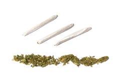 Verbindingen en rij van marihuana Stock Foto
