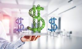 Verbindingen en voorzien van een netwerkconcepten als middelen van geld het verdienen op witte bureauachtergrond Stock Foto