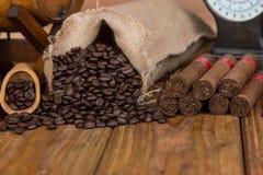 In Verbindung stehende Einzelteile der kubanischen Zigarren Lizenzfreie Stockfotografie