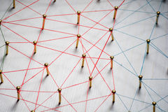Verbindung von Wesen Netz, Vernetzung, Social Media, Internet-Kommunikationszusammenfassung Ein kleines angeschlossen an größeres lizenzfreie stockfotografie