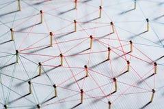 Verbindung von Wesen Netz, Vernetzung, Social Media, Zusammenhang, Internet-Kommunikationszusammenfassung Netz des dünnen Threads stockfoto