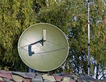 Verbindungen über Satelitte der Parabolischen Antenne Stockfoto
