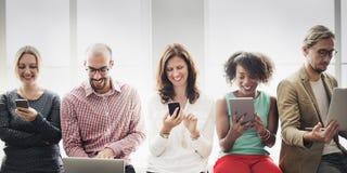 Verbindungs-Digital-Gerät-Vernetzungs-Technologie-Konzept lizenzfreie stockbilder