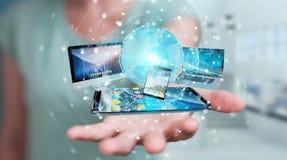 Verbindungstechnologiegeräte des Geschäftsmannes und Ikonenanwendungen 3D bezüglich Lizenzfreie Stockfotos