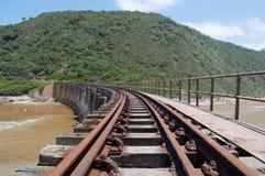 Verblaßte Bahngleise Stockbild