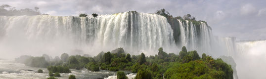 Överblick av vattenfallet Iguacu Royaltyfria Bilder