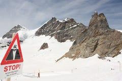 Verblijf op weg! Junfraujoch, Zwitserland Stock Afbeelding