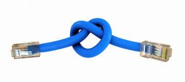Verbonden Internet-kabels met de knoop van het haardteken Stock Afbeeldingen
