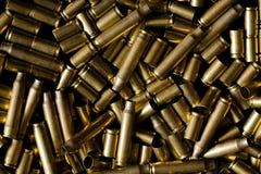 Verbrauchte Munitionsgehäuse Stockbild
