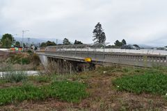 Verbreiterungsprojekt der Landstraße 101 durch Carpinteria, Kalifornien, 14 stockbild