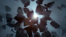 Verbrijzelde donkere steen in lege ruimte die blauw licht openbaren Stock Afbeeldingen