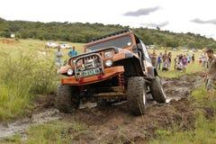 Verbrijzeling Beige Jeep Wrangler Off-Roader V8 royalty-vrije stock afbeelding