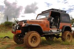 Verbrijzeling Beige Jeep Wrangler Off-Roader V8 Stock Foto
