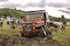 Verbrijzeling Beige Jeep Wrangler Off-Roader V8 stock fotografie