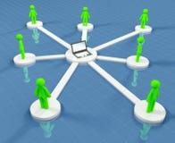 Verbundene Leute arbeiten im Sozialnetz zusammen Lizenzfreies Stockbild