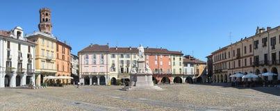 Vercelli, piazza Cavour immagini stock libere da diritti