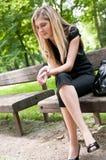 Verdadeiros problemas - mulher nova preocupada foto de stock royalty free
