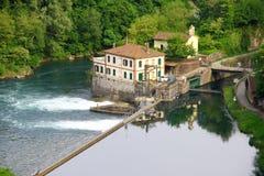 Verdammung auf dem Fluss Lizenzfreie Stockbilder