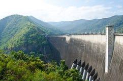 Verdammung des Wasserkraftwerks stockfoto