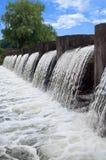 Verdammung und Wasserfall Stockbild