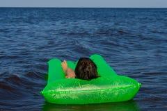Verde airbed Imagens de Stock