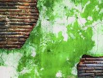 Verde antiguo del viejo de la pared de ladrillo vintage creativo sucio del arte Imágenes de archivo libres de regalías