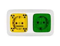 Verde contro nucleare fotografie stock