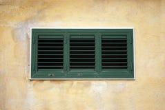 Verde da janela de alumínio foto de stock