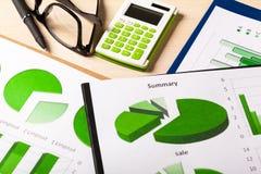 Verde das cartas de negócio Fotos de Stock Royalty Free