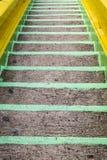 Verde de la escalera a abajo Foto de archivo