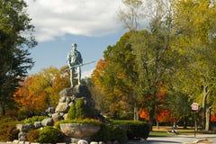 Verde de la estatua y de la batalla del Minuteman Fotos de archivo