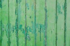 Verde de la pintura de la peladura   pared foto de archivo