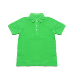 Verde de Polo Shirt isolado Fotos de Stock