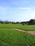 Verde di villaggio nel villaggio del Cheshire di Aldford Fotografia Stock