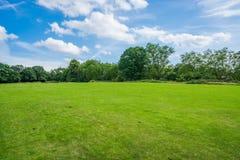 Verde do subúrbio do jardim de Hampstead, Londres, Reino Unido Fotos de Stock