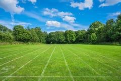 Verde do subúrbio do jardim de Hampstead, Londres, Reino Unido Foto de Stock Royalty Free